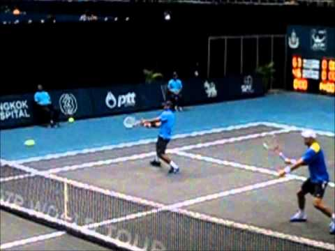 Leander Paes--the Body Volley--tough shot