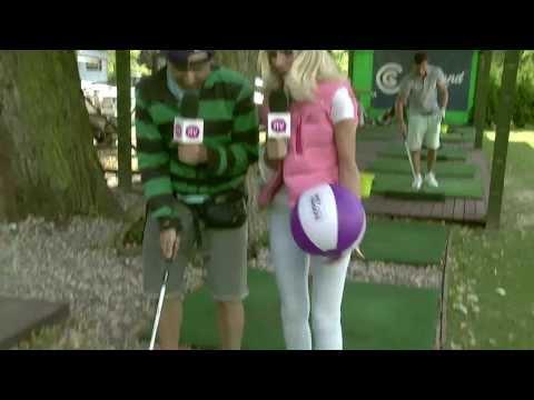 Piękna blondynka ofiarą... gry w golfa!