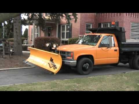 chevy 1 ton meyer snow plow dump truck test operation video youtube. Black Bedroom Furniture Sets. Home Design Ideas