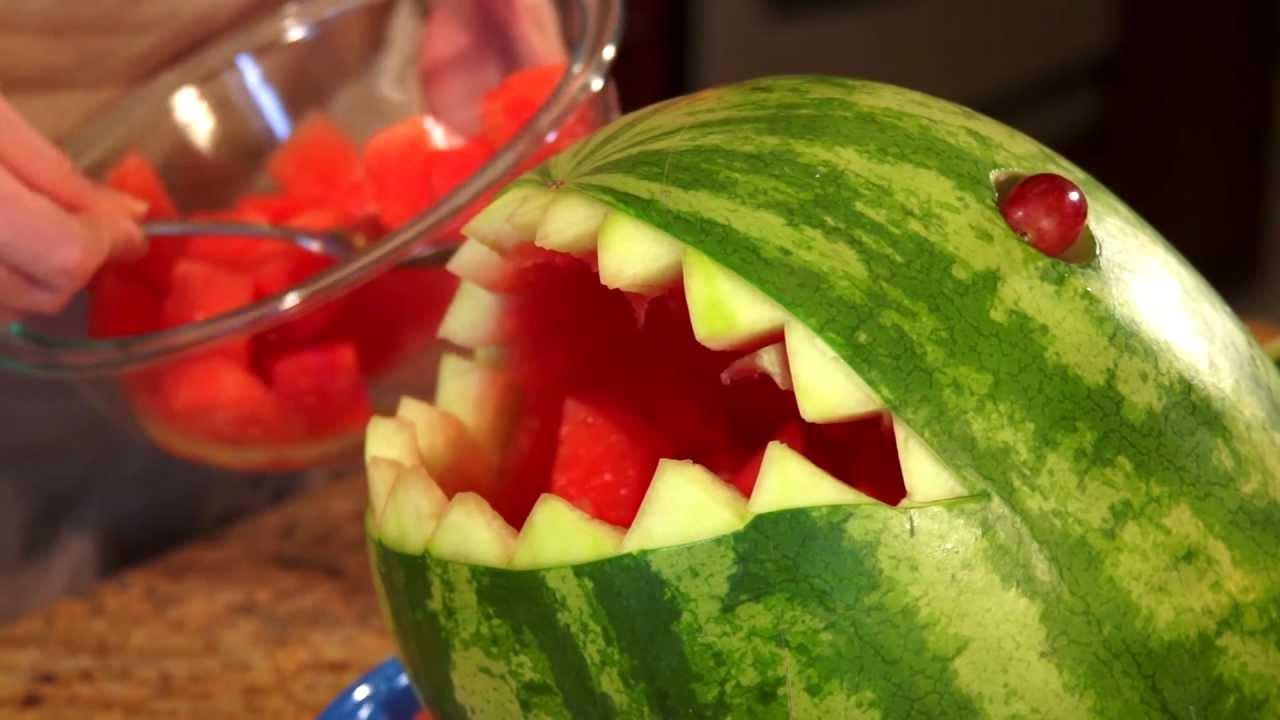 How to carve a watermelon shark