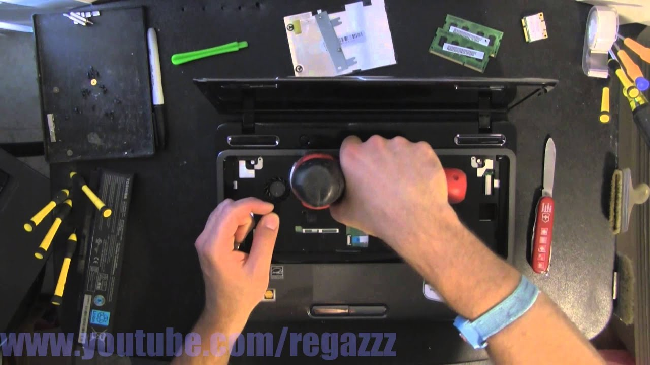 how to take apart toshiba sattlite l840