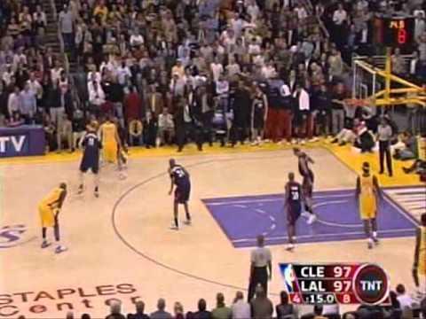 Kobe Bryant Hits 3 Straight Clutch Shots/Game Winner vs. Cavaliers (2006)