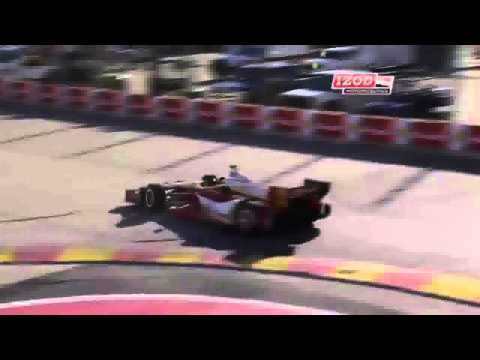 Castroneves Spins @ 2013 Indy Car Houston Practice