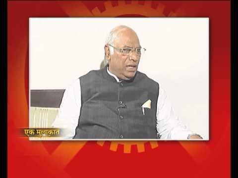Manoj Tibrewal Aakash interviewed Mr. Mallikarjun Kharge, Minister for Railways for DD News (Promo)