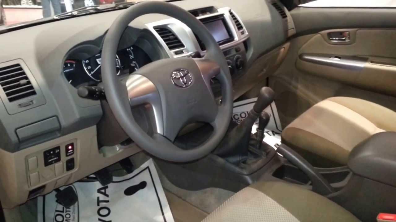 Interior Toyota Fortuner Urbana 2014 versión para Colombia FULL HD