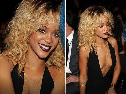 Rihanna Suffers Wardrobe Malfunction At 2014 MTV xnxx Awards While Performing The Monster