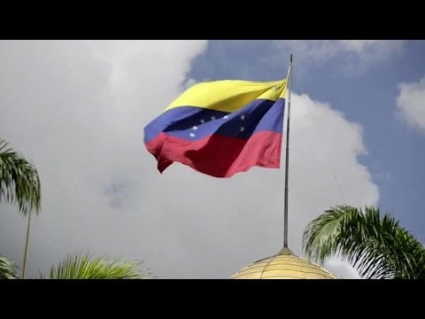 Venezuela lawmakers debate expanded powers for Maduro
