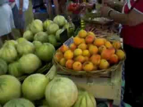 Antibes, un giro al mercato