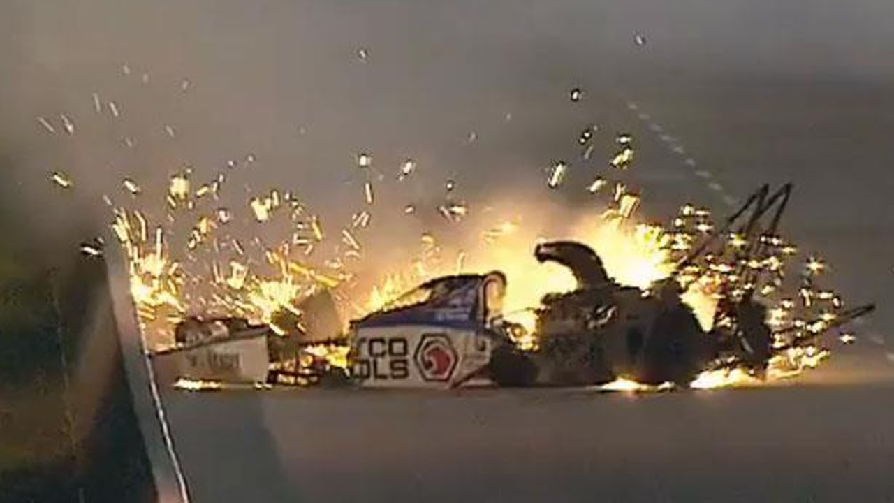 Accident de dragster spectaculaire