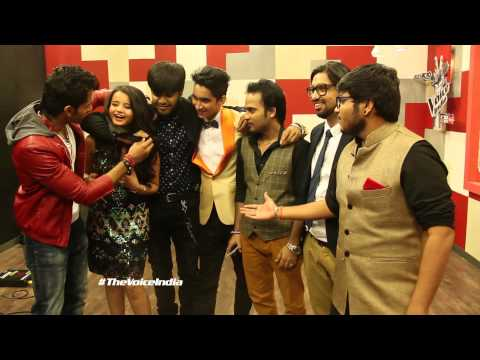 V Reporter Meet Jain plays blindfold with talents backstage