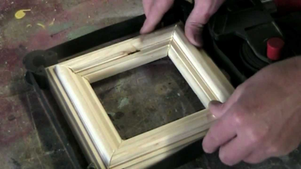 How to make a simple picture frame using a woodworking ...