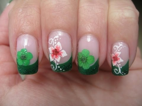 Nail art: Green glitter tip with (dried) flower