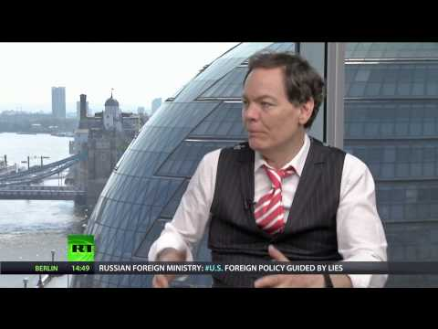Keiser Report: Dumb Money (E632)