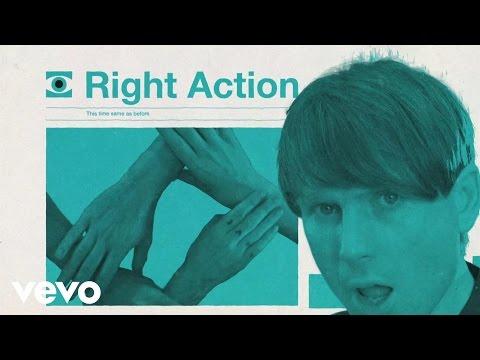 Смотреть клип Franz Ferdinand - Right Action