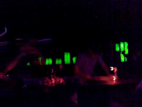 anhanguera@d-edge sampa 03 jun 2010 (house heroes - magic orgams).mp4
