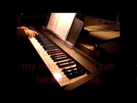 Hình ảnh trong video Adele - Skyfall karaoke version on piano live