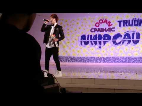 Ca sĩ Đinh Kiến Phong hát live Quá khứ ngọt ngào c