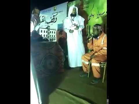 عامل نظافة يبهر حضور مسابقة قرآنية بصوته