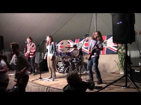 Dancing in the Moonlight - Toploader (Think it was June live cover - Allerton HH)