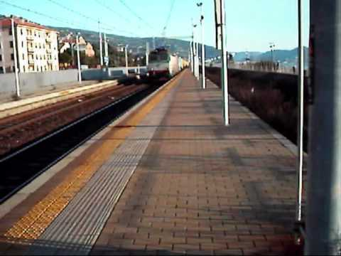 Lavagna ..... Stazione di Lavagna .... Super video di Treni :) !