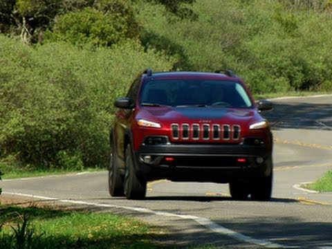 CNET On Cars - On the road: 2014 Jeep Cherokee Trailhawk