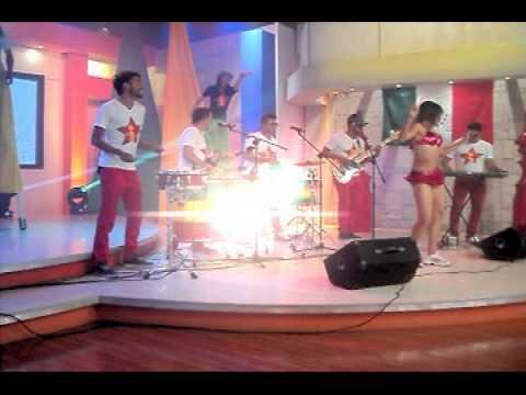BATUCADA AXE BUNDINHA a ritmo de samba regge!
