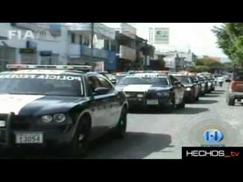 Balacera en Michoacan 31 Muertes Detienen A El Chivo Lider de La Familia Michoacana (23 Ataques)