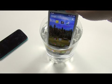 Ask Erica: Is Moto E Worth It? (Water test)