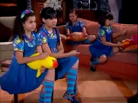Chiquititas 2013/2014 - Cris imita a dança de Tomaz Ferraz