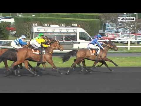 Vidéo de la course PMU PRIX HENRI DESMONTILS