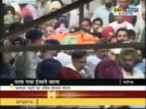Jaspal Bhatti cremated in Chandigarh - 25 Oct 2012