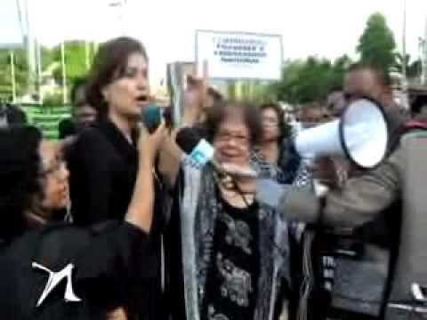 Foto-crónica: luto por feminicidios y cancelación masiva en P.N