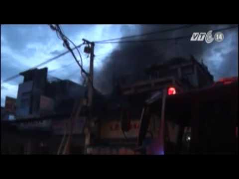 VTC14_3 căn nhà bị thiêu rụi trong đám cháy tại TP HCM