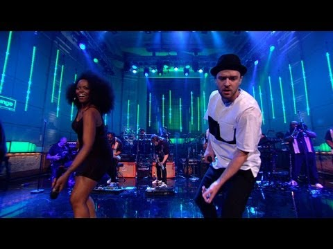 Justin Timberlake covers the Jacksons' Shake Your Body (Down To The Ground)
