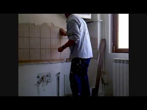 Posa delle piastrelle, angolo cottura, ristrutturare - YouTube