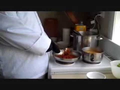 Indian recipes - Hot Chilli Panda cooks a vindaloo