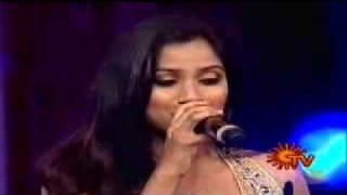 Shreya Ghosal wins Best singer for Munbe Vaa