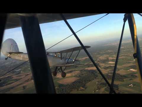 Stampe SV-4 aerobatic practicing