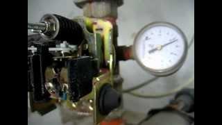 Hidrosfera o tanque hidroneumático, Regulación de presión, Mínima y Máxima.