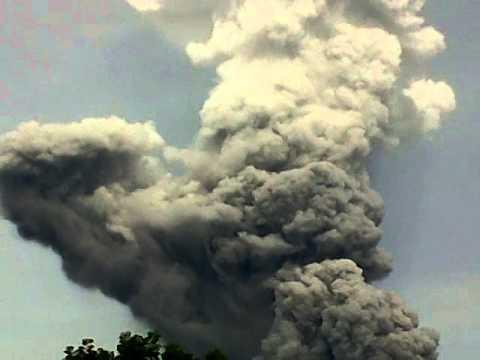 gunung sinabung kabupaten karo sumut