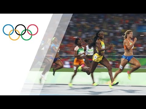 Thompson wins gold in the Women's 200m sprint