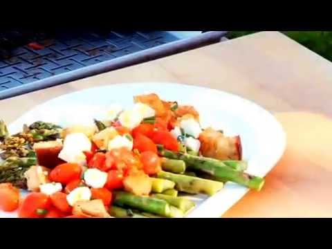 How to Make Weber Grills Asparagus and Tomato Salad