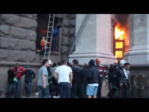 Citizens Save Terrorists From Trade Union Building Fire In Odessa May 5 2014