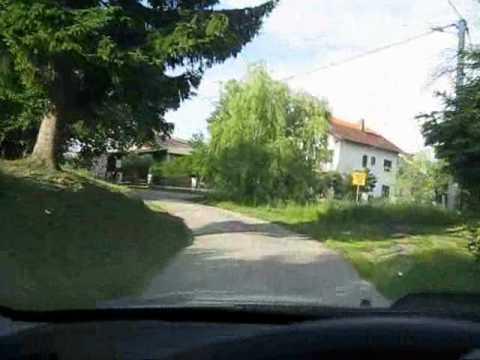 Put od vikendice do glavne ceste.