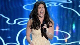 """Let It Go"" Performance At 2014 Oscars- Idina Menzel WOWS"