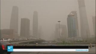 عاصفة رملية تجتاح بكين |
