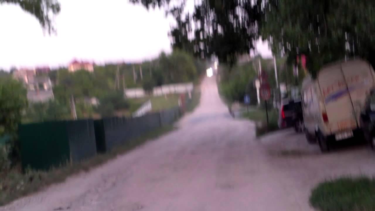Au pus pavaj pe stradă, în fața casei de milioane