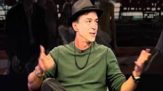 Entrevista com Carlos Alberto Riccelli - O Tigre e a Neve view on youtube.com tube online.