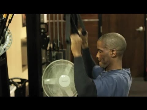 Building Muscle Mass vs. Toning Muscle for Men : Weightlifting Tips