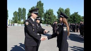 Ректор університету вручив випускникам погони лейтенантів